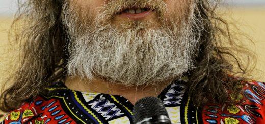 https://commons.wikimedia.org/wiki/File:Richard_Stallman_-_F%C3%AAte_de_l%27Humanit%C3%A9_2014_-_010.jpg
